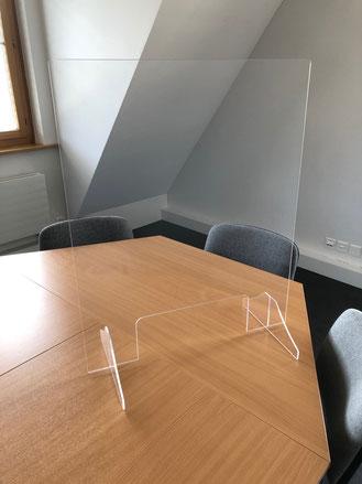 Plexiglaswändli im Schulleiterbüro