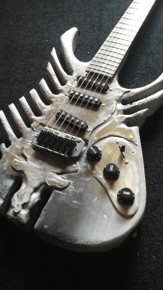 Mika Custom skeleton guitar