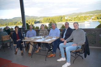 Konstituierende Vorstandssitzung (v.l.) mit Christina Steinhausen, Tim Zieger, Oxana Iose, Marc-Andreas Giermann, Jens Huhn und Dennis Trütgen. Bildquelle: FDP-Remagen