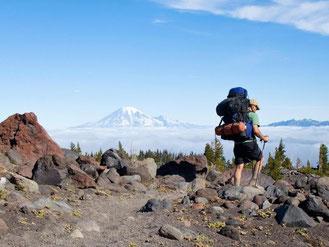 Unterwegs in fernen Ländern: Wer als Backpacker für ein paar Monate um die Welt reist, muss einige Vorbereitungen treffen. Foto: Design Pics