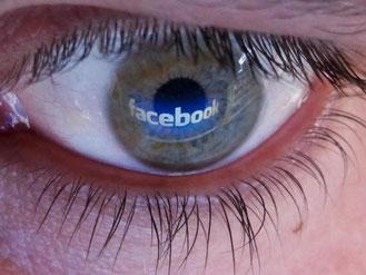 Captainquizz bietet viele Facebook-Spiele an. Nutzer sollten vorsichtig sein. Foto: Jochen Lübke