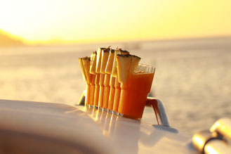 Cocktails auf der Yacht bei Yacht-Urlaub