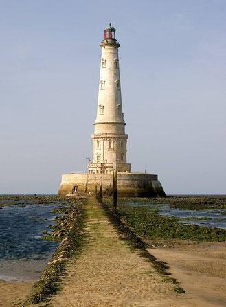 en gironde, architecture unique et visitable , cordouan est le phare des rois ou le roi des phares - organisation de voyage et guide patrimoine gratuit