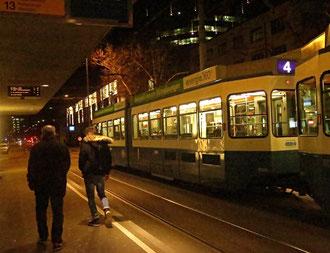 Zürich, Tram, Nacht