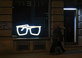 Schaufenster Nacht Brille