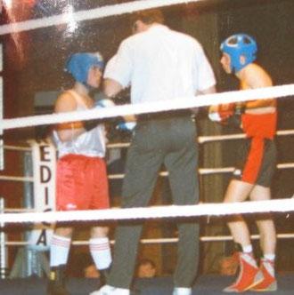 Marco Spath-M. (3-0-1) vs. Martin Amedee (19-1-0) Titelverteidiger aus Genf 1. Jugend CH-Meisterschaft Amateurboxen in Biel 1995