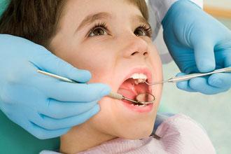 虫歯の治療や抜歯は装置装着前に