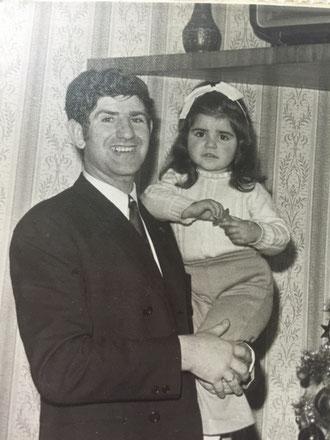 Con papá.