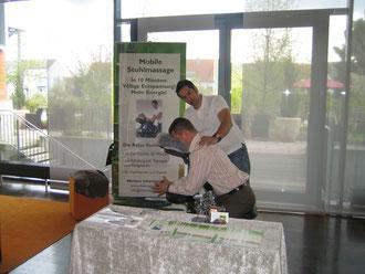 Massagestand bei den Unternehmertagen 2012, Mobile Massage, Düsseldorf, Köln, Bergisch Gladbach, Erfahrener Masseur,