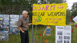 US-Friedensaktivist John LaForge am 21. Juli 2017 auf der Friedenswiese in Büchel.