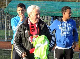 Trainer Henneken - Immer da für seine Jungs.