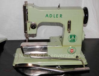 APHA Adler, Freiarm Geradestich-Nähmaschine mit Kniehebel, Hersteller: Kochs Adler Nähmaschinenwerke (Bilder: M. Maag)