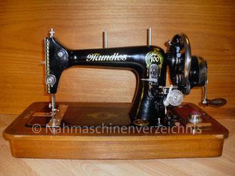 Mundlos 100, Geradstich, Flachbett, mit Handantrieb, Vorrichtung für Anbaumotor vorhanden, Hersteller: Mundlos AG, Magdeburg (Bilder: I. Naumann)