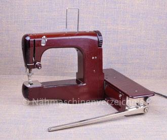 MEWA FREIA, Freiarm-Koffernähmaschine mit Kniehebel, Hersteller: VEB Mewa, Ernst-Thälmann-Werk, Suhl (Bilder: Nähmaschinenverzeichnis)
