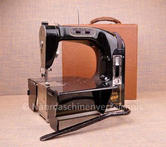 MEWA KOMA, Koffernähmaschine mit Kniehebel, Hersteller: VEB Mewa, Ernst-Thälmann-Werk, Suhl (Bilder: Nähmaschinenverzeichnis, I. Naumann, H. Bernhard)