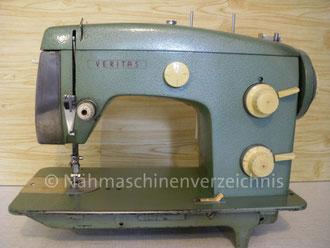 Veritas, 8014/22, Zickzack-Haushaltsnähmaschine, Flachbett, Fußantrieb, Vorrichtung für Motoranbau vorhanden, Hersteller:VEB Nähmaschinenwerk Wittenberge (Bilder: I. Naumann)