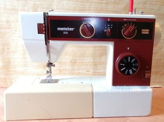 Meister 210 Freiarm, Hersteller: Meister-Werke GmbH Schweinfurt (Bilder: I. Naumann)