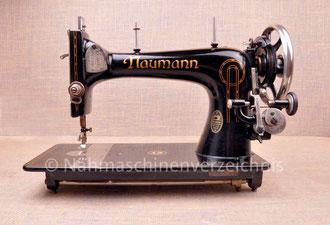 Naumann Kl. 9, Geradeaus-Nähmaschine mit Fußantrieb, Flachbett, Hersteller: Seidel & Naumann Nähmaschinenwerk und Eisengießerei AG, Dresden (Bilder: Nähmaschinenverzeichnis)
