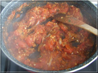 préparation sauce tomate oignon ail