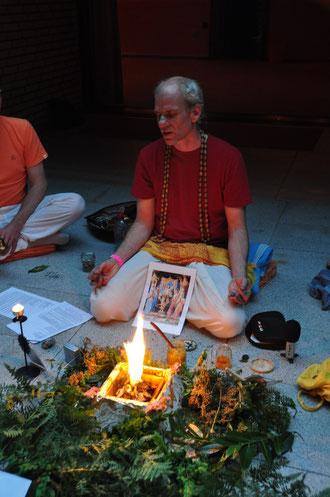 30.6. 2012 Hamburg  beim Homa - Ritual