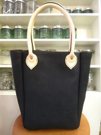 手縫いのトートバッグ(ブラック) ¥43000