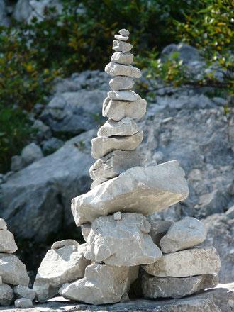 """""""bild"""" Steinturm Meditation, kreisende Gedanken, Gedankenkarussell Yoga"""