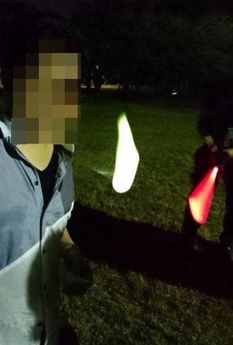 こちら実際に使用したときの写真です。残念ながら、写ってはいけないものは写ってませんでしたが、綺麗に燃え始めるとスゲーいい緑の火の玉になります!2分ぐらい楽しめました。