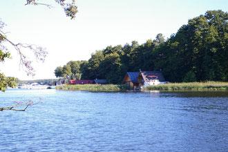 Sehr beliebt scheinen die Bootshäuser als Feriendomizil zu sein