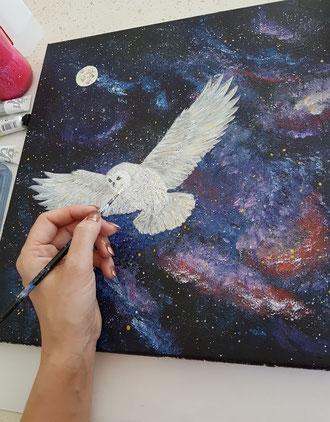 tableau inspiration Harry Potter peindre la galaxie et chouette blanche