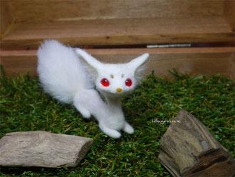 羊毛フェルト 管狐 ひつじのはね