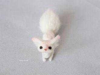 桜 豆狐 管狐 羊毛フェルト