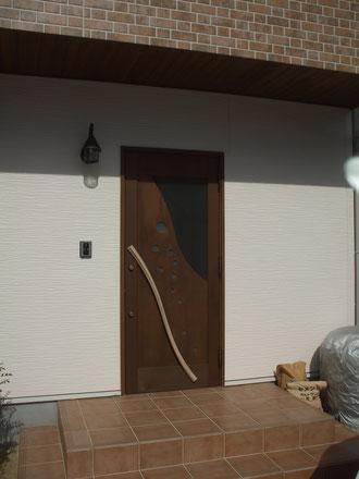 玄関ドア木製・住宅愛知県