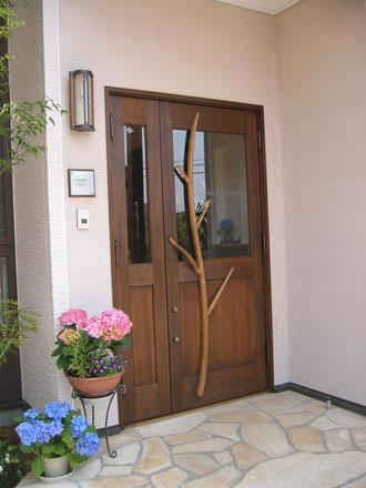 木製玄関ドア 木の扉