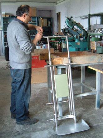 Nuovo carrello saliscale Movilgas , TCS / Elviotrolley , particolare del telaio in costruzione