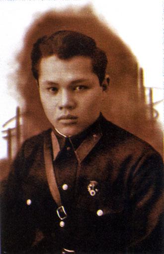 Валерий Кузмин – Инструктор Якутского аэроклуба. 1941 год