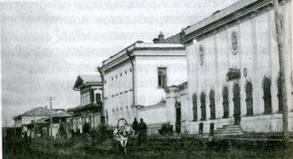 Дом и магазин Кушнарева в Якутске