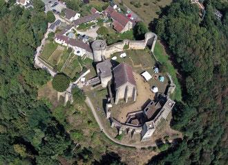 Vue aérienne du château de la Madeleine.