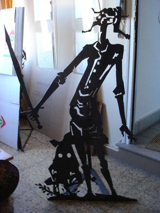 Continuamos siendo Quijotes. Escultura en hierro.