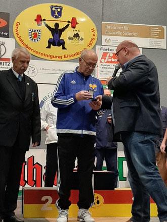 Heinz Kuhn wurde mit der Masters-Ehrenmedaille des BVDG ausgezeichnet