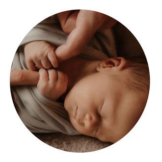 Newbornfotografie-neugeborenenshooting-babyfotografin-babyfotoschweiz