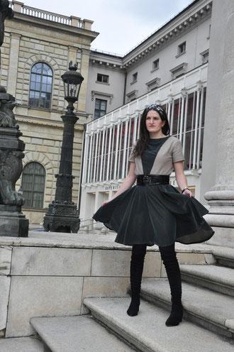 Samtkleid nähen Retro-Style Outfit Nähblog Deutschland Modeblog Nähen DIY-Blog