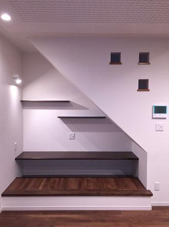 階段下のパソコンデスク