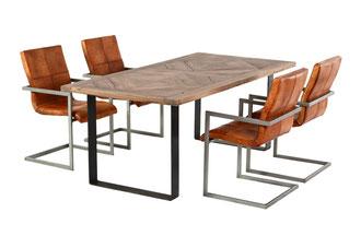 Kufen Esstisch Altholz Eiche mit Rautenmuster Tischplatte