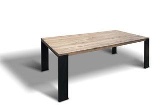 Esstisch Industrial Eiche im Skandinavien Design mit Stahlwangen Tischbeinen