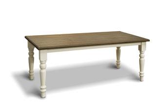 Landhaus Tisch Eiche massiv zweifarbig mit weißen gedrechselten Beinen auf Mass