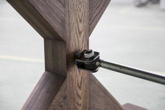 Stempelfuß Tischgestell Eiche mit Stahlstrebe