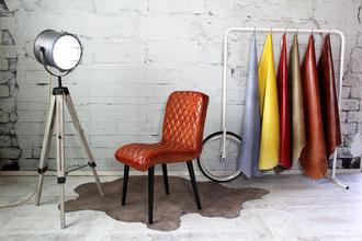 Polsterstuhl Charlotte Echtleder im Rautenmuster ohne Armlehnen, der Esszimmerstuhl ist in vielen Lederfarben erhältlich