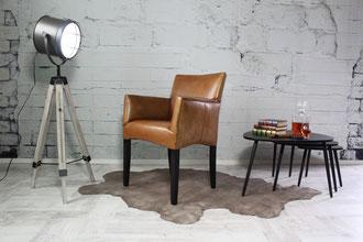 Lederstuhl Nicole - Italienischer Chic im Retro-Design, der Echtleder Stuhl bietet besten Sitzkomfort und ist eine Bereicherung für jedes Esszimmer.