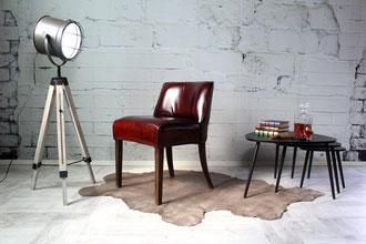 Bar Stuhl, Lounge Stuhl Allesia aus Echtleder in einzigartiger Design Sprache im klassischen Design, formschön und elegant