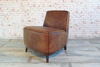 Clubsessel Serena aus purem Rindsleder in vielen Farben erhältlich, perfekter Sitzkomfort und puristische Formensprache zeichnen diesen Sessel aus